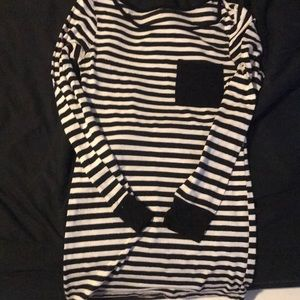 White And Black-Striped Long-Sleeved Tee W/ Pocket
